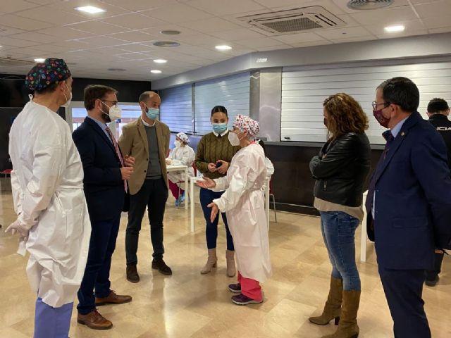 El Ayuntamiento de Lorca habilitará el Complejo Deportivo Felipe VI para una nueva jornada de vacunación masiva destinada a personal docente - 1, Foto 1