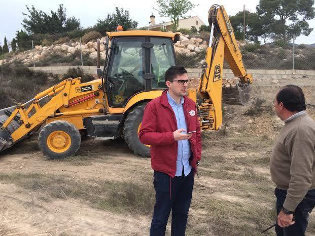 Limpian varias parcelas de propiedad municipal en la urbanización La Charca, Foto 5