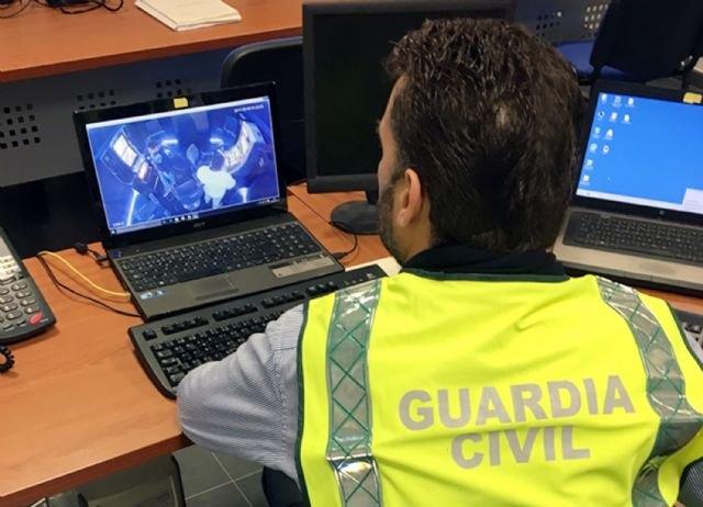La Guardia Civil desmantela un grupo criminal especialista en manipular máquinas recreativas para sustraer la recaudación, Foto 1
