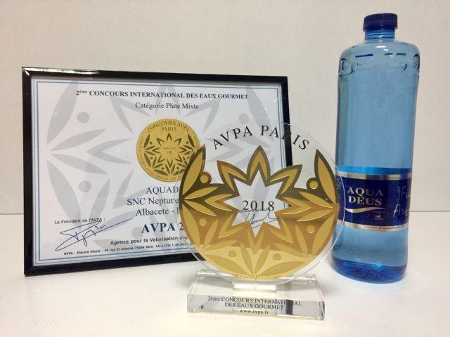 El agua mineral natural Aquadeus consigue el oro en el concurso Internacional de Aguas Gourmet de París, Foto 1