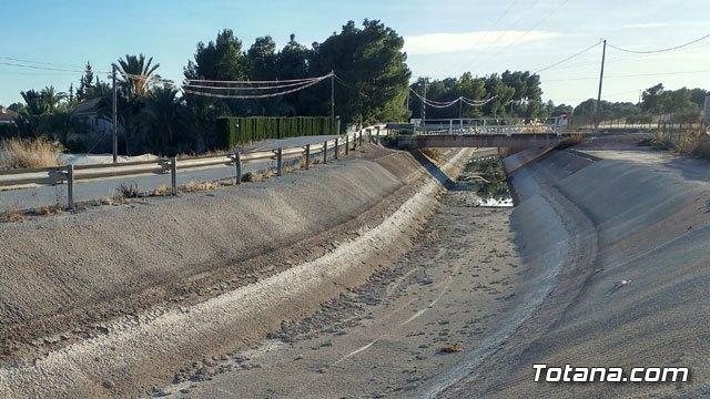 Autorizan una transferencia de 20 hectómetros cúbicos de agua para el mes de abril a través del acueducto Tajo-Segura, Foto 1