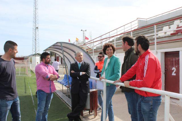 La alcaldesa se reúne con el director general de Deportes para solicitar mejoras en el Campo de Fútbol Municipal - 1, Foto 1