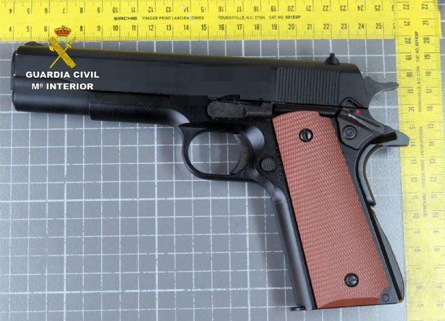 La Guardia Civil esclarece el atraco a un comercio de Villanueva con la detención de sus dos presuntos autores - 2, Foto 2