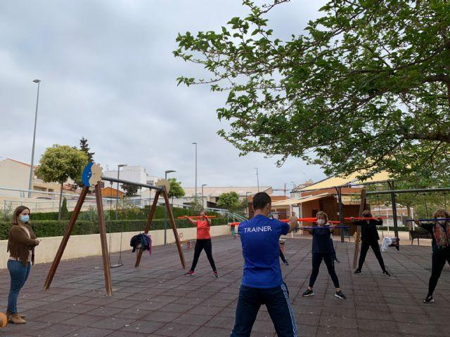 La Concejalía de Deportes de Lorca retoma el programa de Gimnasia de Mantenimiento, esta vez al aire libre para cumplir con todas las medidas sanitarias - 1, Foto 1