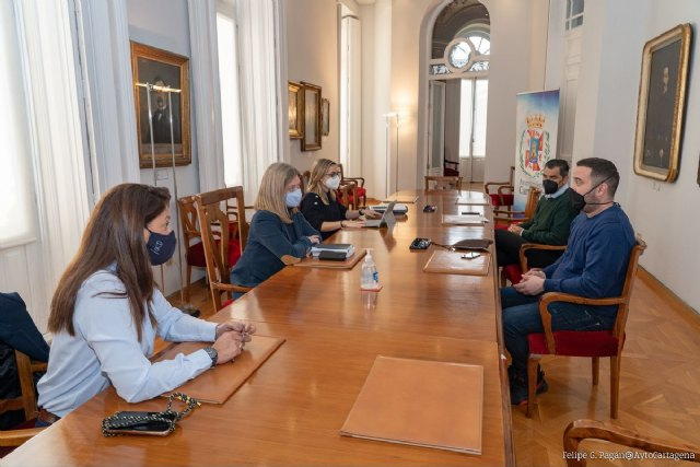 Ayuntamiento y hosteleros comienzan la colaboración para agilizar las concesiones de chiringuitos - 1, Foto 1