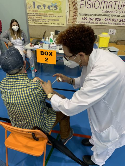 El pabellón Mireia Belmonte, listo para la segunda dosis de las vacunas a personas de 75 a 79 años - 1, Foto 1