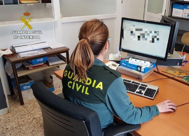La Guardia Civil investiga a dos vecinos de Los Alcázares por falsificar documentos para el empadronamiento de sus inquilinos - 1, Foto 1
