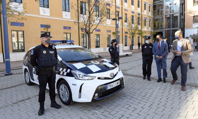 La Policía Local apuesta por la mejora medioambiental del municipio incorporando sus tres primeros turismos híbridos - 2, Foto 2