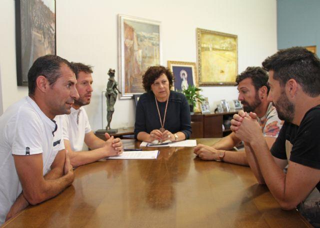 El Ayuntamiento firma un convenio de colaboración con el Club Deportivo Lumbreras para fomentar el fútbol en el municipio - 1, Foto 1
