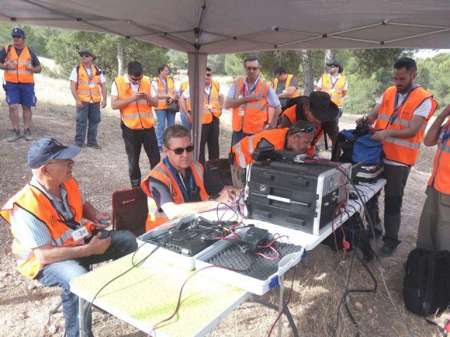La REMER realiza un simulacro para la localizaci�n de una persona desaparecida en el parque regional El Valle y Carrascoy, Foto 1