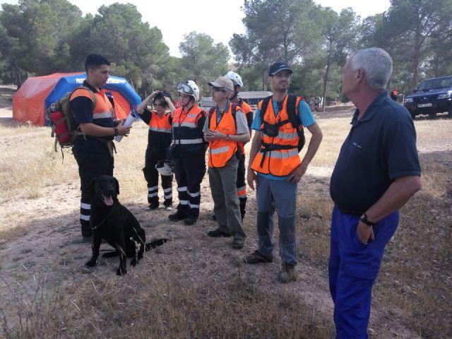La REMER realiza un simulacro para la localizaci�n de una persona desaparecida en el parque regional El Valle y Carrascoy, Foto 2