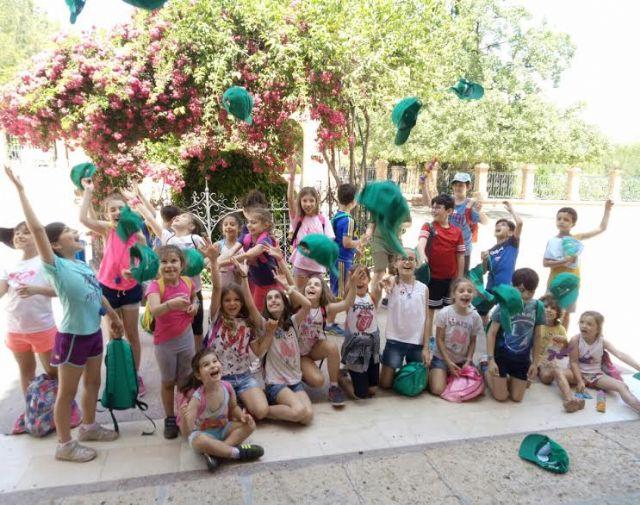 Unos 30 niños y niñas participan en las actividades medioambientales organizadas en el paraje de La Santa con motivo del D�a Mundial del Medio Ambiente, Foto 1