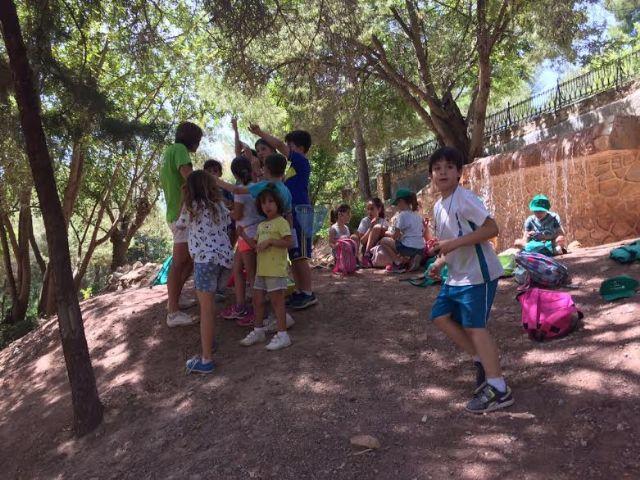 Unos 30 niños y niñas participan en las actividades medioambientales organizadas en el paraje de La Santa con motivo del D�a Mundial del Medio Ambiente, Foto 5