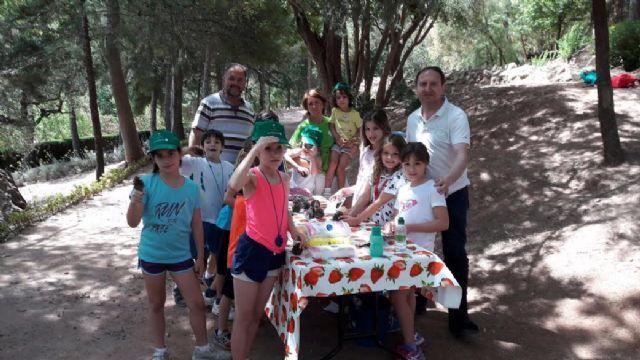 Unos 30 niños y niñas participan en las actividades medioambientales organizadas en el paraje de La Santa con motivo del D�a Mundial del Medio Ambiente, Foto 7