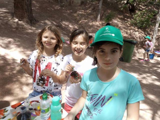 Unos 30 niños y niñas participan en las actividades medioambientales organizadas en el paraje de La Santa con motivo del D�a Mundial del Medio Ambiente, Foto 8