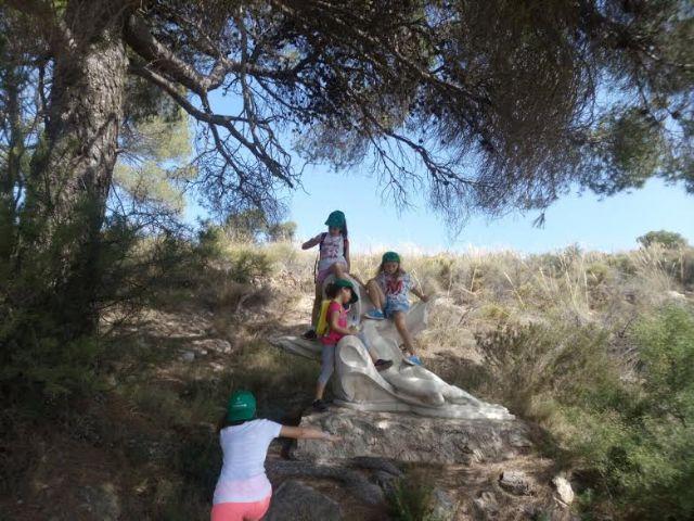 Unos 30 niños y niñas participan en las actividades medioambientales organizadas en el paraje de La Santa con motivo del Día Mundial del Medio Ambiente, Foto 9