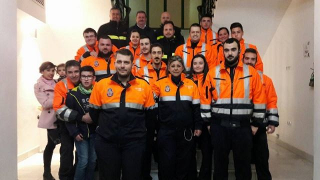 The incorporation of six new volunteers and a professional collaborator to the Association of Volunteers of Civil Protection of Totana - 2