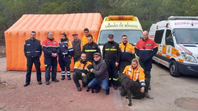The incorporation of six new volunteers and a professional collaborator to the Association of Volunteers of Civil Protection of Totana - 3