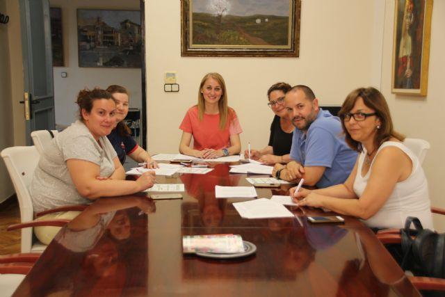 La concejalía de Educación destina 30.000 euros del programa ´Un ratito más´ a las AMPAS, Foto 2