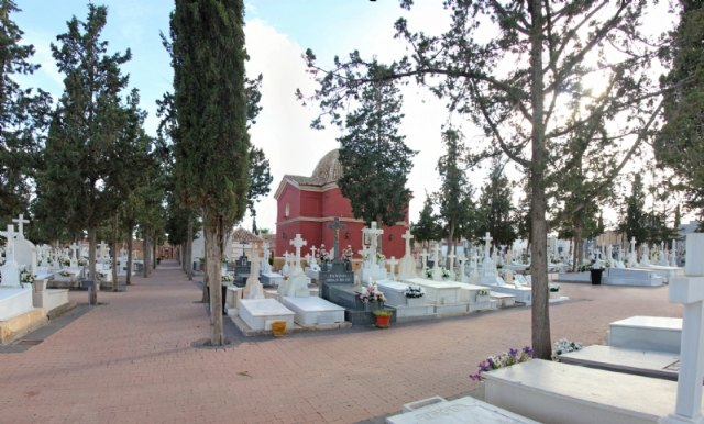 They extend the provision of the Municipal Cemetery service contract until the tender of the new winner