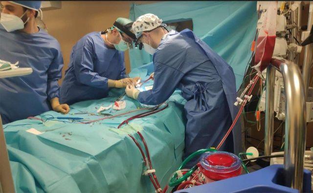 El equipo ECMO de La Arrixaca logra mantener con vida a un recién nacido de tres kilos con cardiopatía congénita grave - 3, Foto 3
