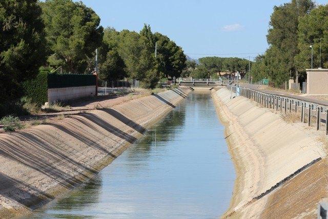 El portavoz socialista Andrés García exige una respuesta inmediata del Gobierno Regional ante el cierre inminente de casi quinientos contadores para riego del agua del trasvase Tajo Segura, Foto 1