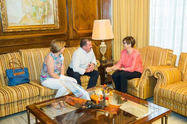 El alcalde se reúne con la presidenta de la Asamblea Regional para dar cuenta de los proyectos en los que trabaja esta administración local y sus retos más inmediatos, Foto 3