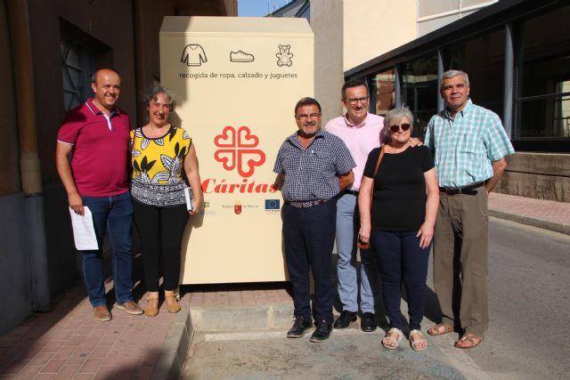 Proyecto Abraham cede un contenedor de ropa a Cáritas de Alhama, Foto 2