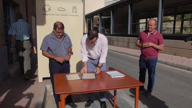 Proyecto Abraham cede un contenedor de ropa a Cáritas de Alhama, Foto 3