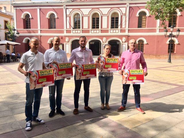 El Ayuntamiento y la Unión de Comerciantes organizan para octubre la actividad Vamos de compras, Let´s go shopping - 1, Foto 1