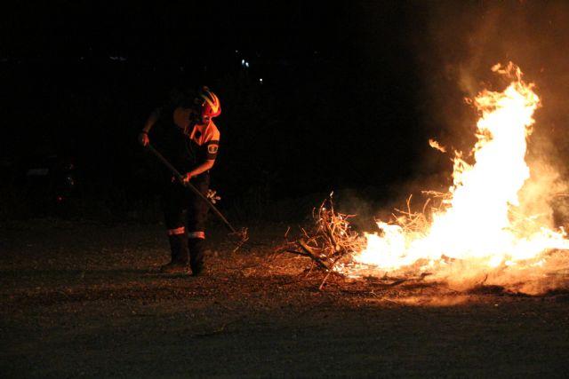 Voluntarios de Protección Civil de Alhama colaboran en tareas de prevención y extinción de incendios, Foto 1