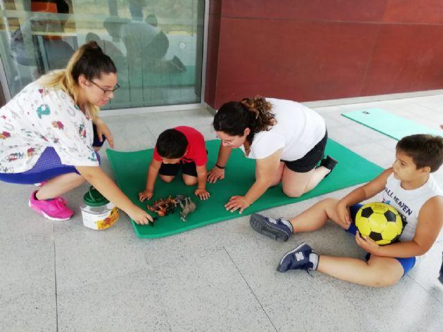 Una treintena de niños asisten en julio a las escuelas de verano puestas en marcha por D´Genes en Murcia, Cartagena y Totana, Foto 3