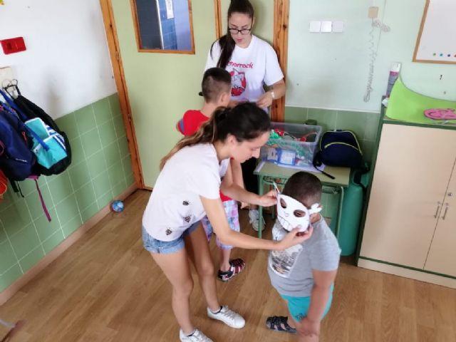Una treintena de niños asisten en julio a las escuelas de verano puestas en marcha por D´Genes en Murcia, Cartagena y Totana, Foto 6