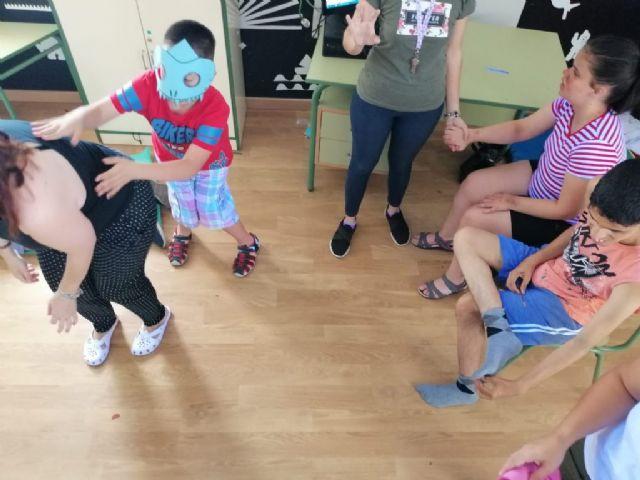 Una treintena de niños asisten en julio a las escuelas de verano puestas en marcha por D´Genes en Murcia, Cartagena y Totana, Foto 7