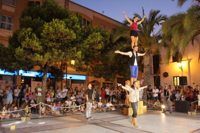 Acrobacias, música y fuego para cerrar Sal de Calle - 1, Foto 1