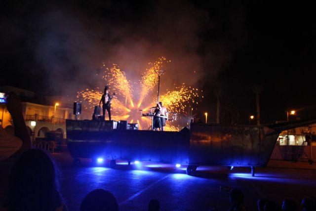 Acrobacias, música y fuego para cerrar Sal de Calle - 2, Foto 2