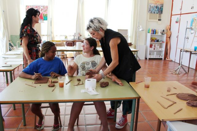 """A dozen young people have participated in the Workshop of Plastic Arts, Painting and Sculpture, organized in """"La Cárcel"""" within the program """"Totana Verano"""", Foto 7"""
