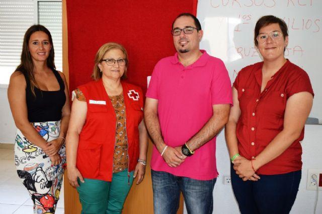 Cruz Roja sale a la calle para enseñar a los ciudadanos primeros auxilios y RCP, Foto 3