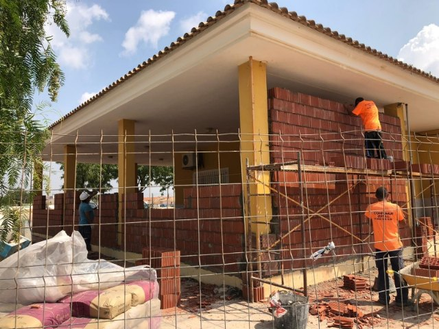 This week the expansion and adaptation works to COVID-19 of the Medical Office of the district of El Paretón-Cantareros have begun