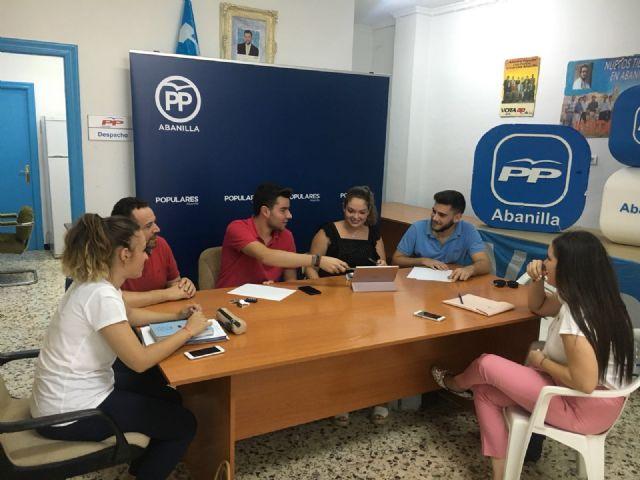 Reunión de NNGG Abanilla, NNGG Beniel y NNGG Santomera en el la sede del Partido Popular de Abanilla - 1, Foto 1