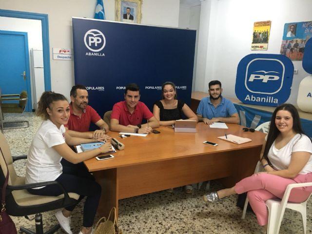 Reunión de NNGG Abanilla, NNGG Beniel y NNGG Santomera en el la sede del Partido Popular de Abanilla - 2, Foto 2