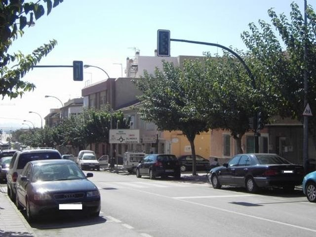 Este lunes comienzan las obras de arreglo en un tramo de la red de alcantarillado en la calle General Aznar, que obligar�n a cortar al tr�fico esta v�a, Foto 1