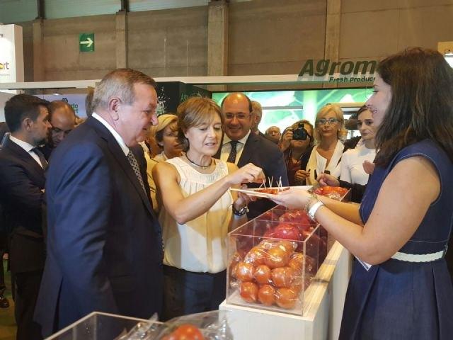 Pedro Antonio Sánchez: El Gobierno de España ha escuchado a los regantes y decide en favor de nuestra agricultura, Foto 1