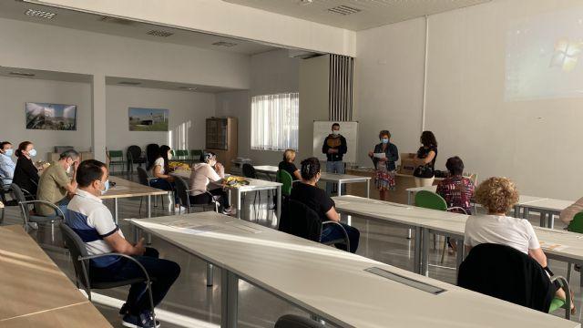18 desempleados comienzan el curso de Atención Sociosanitaria a personas dependientes en Instituciones Sociales - 1, Foto 1