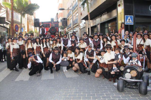 Puerto Lumbreras homenajea a su tradicional desfile de carrozas con una exposición fotográfica que recorre la historia de este emblemático evento - 1, Foto 1