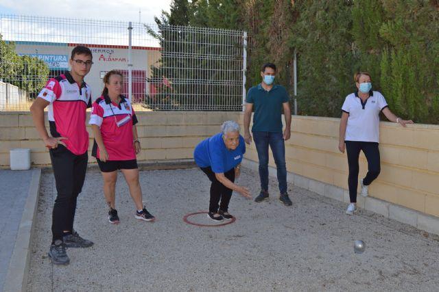 Una jornada intergeneracional de petanca para comenzar el programa de actividades del Día de las Personas Mayores - 2, Foto 2