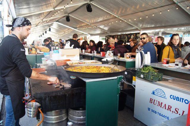 Se aprueba el convenio entre el Ayuntamiento y nueve hosteleros de Totana para realizar la Feria de D�a 2016, Foto 2