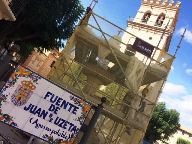 In a month approximately the restoration works of the emblematic Juan de Uzeta Fountain will be finished, Foto 1