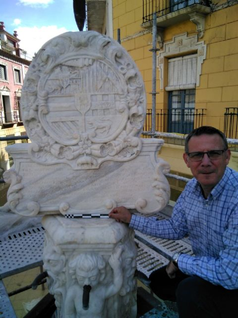 In a month approximately the restoration works of the emblematic Juan de Uzeta Fountain will be finished, Foto 6