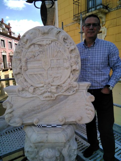 In a month approximately the restoration works of the emblematic Juan de Uzeta Fountain will be finished, Foto 7